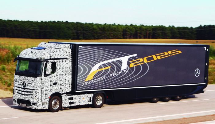 Daimler-Future-Trucks-Autonomous-Trucks-all-Set-for-2025-3
